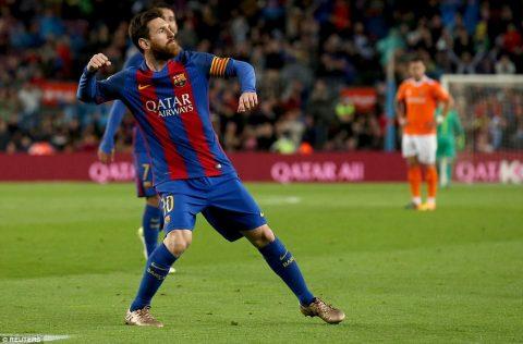 Hủy diệt Osasuna 7-1, Barca thách thức Real trên đường đua vô địch