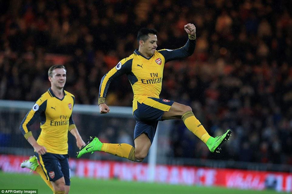 Sanchez và Oezil lập công, Arsenal thắp sáng lại hy vọng top 4