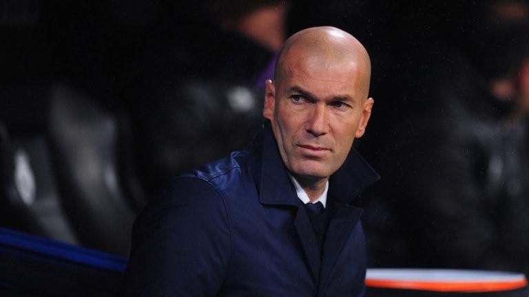 SỐC: Thua Siêu kinh điển, Zidane bị Real 'trở mặt' tìm người thay thế