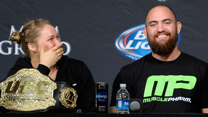 """Tin thể thao HOT 24/4: Nữ hoàng UFC đã """"đeo gông"""""""