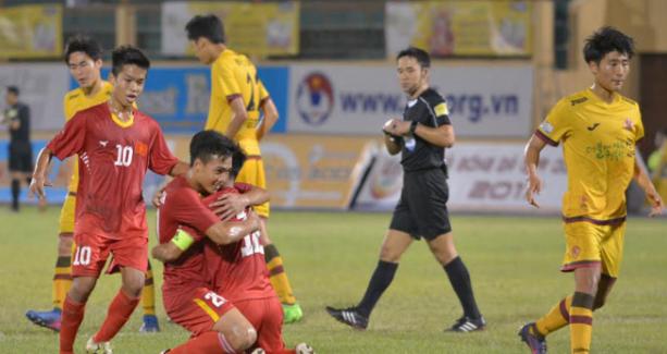 Thi đấu thiếu người, U19 VN thi đấu quả cảm để lên ngôi vô địch U19 Quốc tế