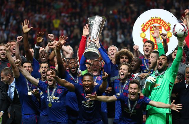 Thắng thuyết phục Ajax, M.U đăng quang ngôi vô địch Europa League