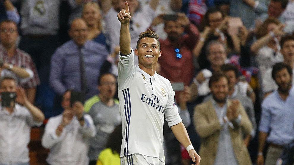 Sẽ là tội ác nếu Ronaldo không cân bằng số Quả bóng vàng với Messi