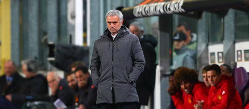 """Biến MU thành """"trại lính"""", Mourinho quyết phá lời nguyền"""
