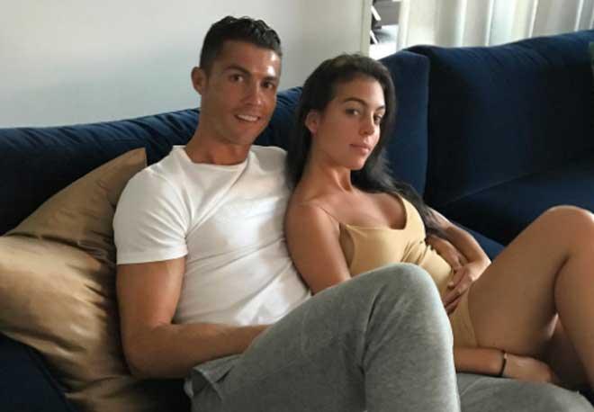 Cris Ronaldo chuẩn bị làm bố của…2 con sinh đôi?