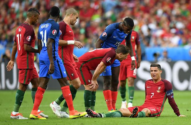 Ronaldo dự Confed Cup: Tình yêu quốc gia có mù quáng?