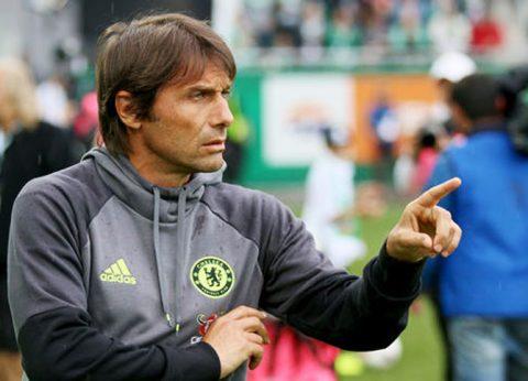 Conte tính tậu trung vệ khủng Bayern để gia cố hàng thủ