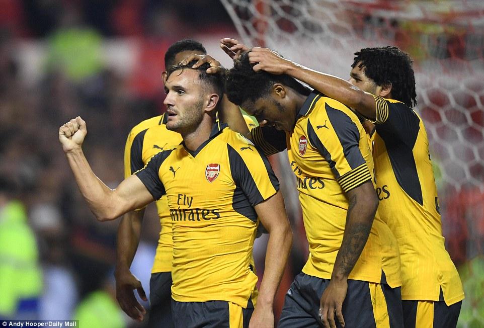"""Sevilla xem xét chiêu mộ """"sao xịt"""" Arsenal"""