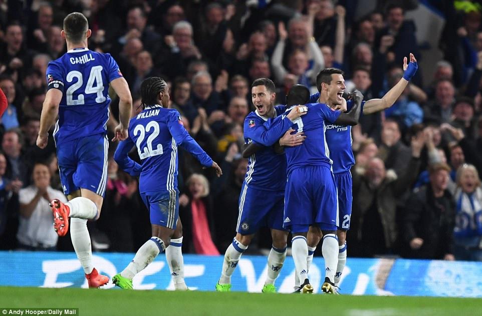 Tottenham thua, Chelsea còn cần gì để vô địch Ngoại hạng Anh?