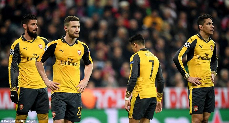 Mất vé C1, Arsenal đứng trước nguy cơ tan nát hàng thủ