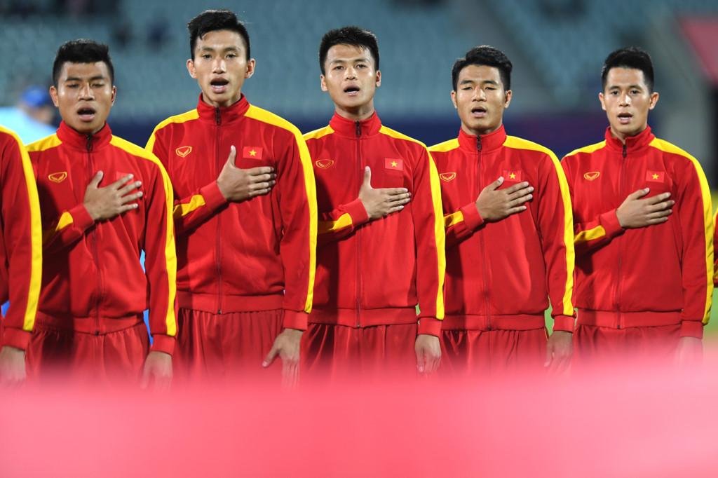 CLIP, CHÙM ẢNH: Giây phút thiêng liêng, xúc động khi Quốc ca Việt Nam vang lên giữa World Cup