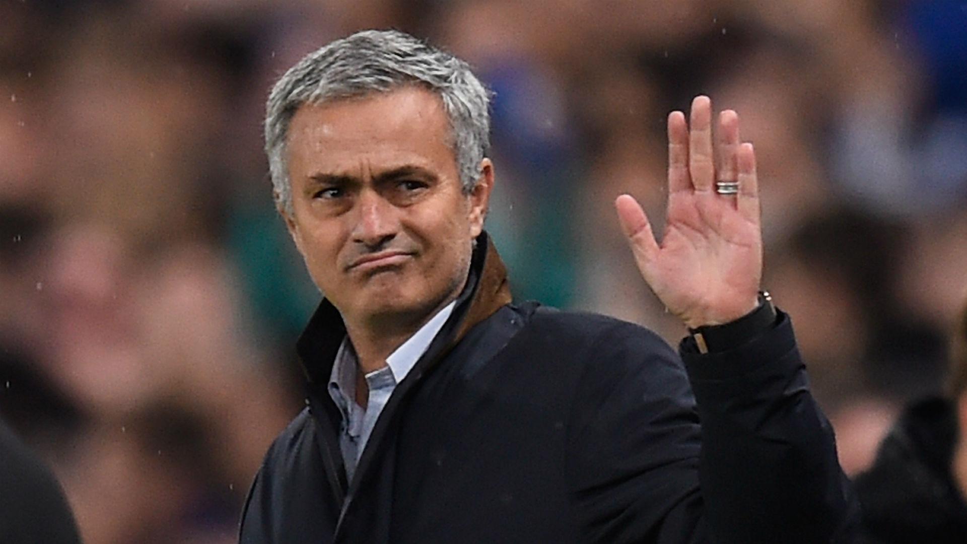 4 cầu thủ đội 1 chắc chắn bị Mourinho đẩy khỏi M.U