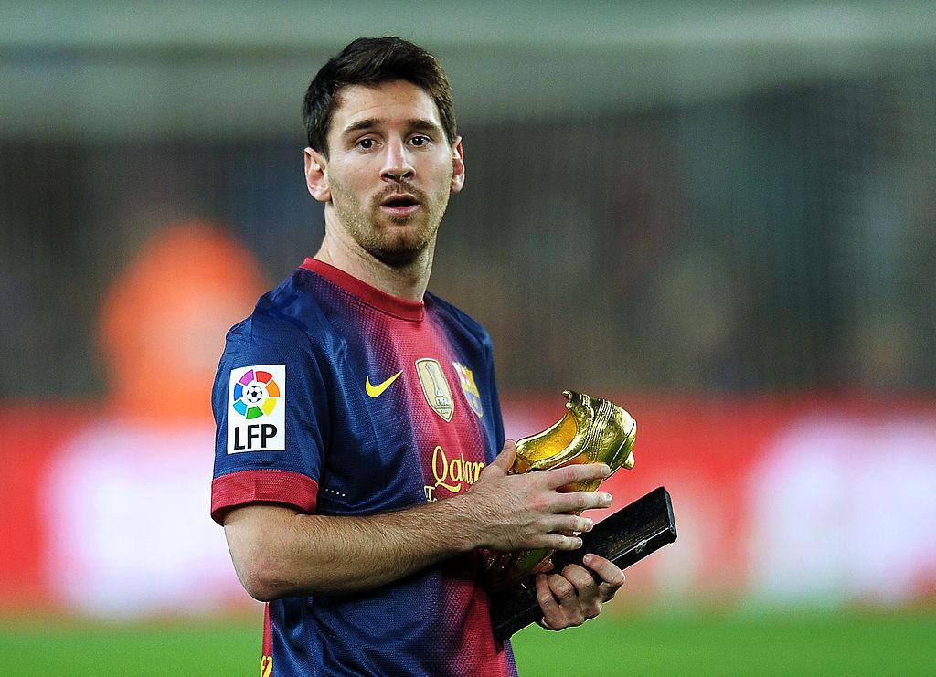 Messi chạm mốc 50 bàn, sắp đoạt Giày vàng châu Âu