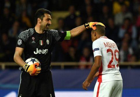 Chùm Ảnh: Trước Buffon, Mbappe hóa… đứa trẻ