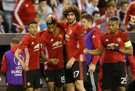 Vô địch châu Âu, MU vẫn không có vé vòng bảng Champions League