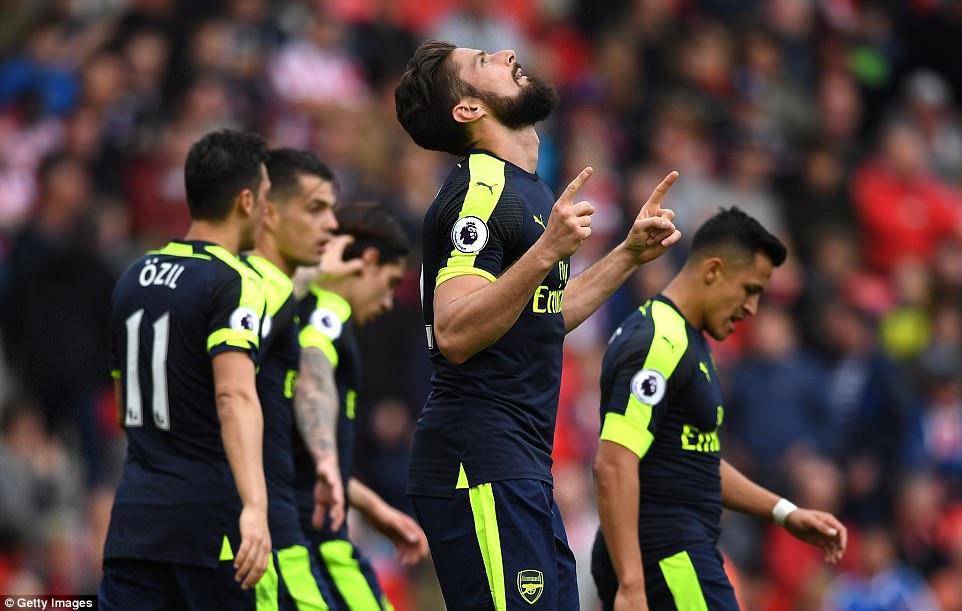 Bắn nát Stoke City, Arsenal tiếp tục nuôi mộng Top 4