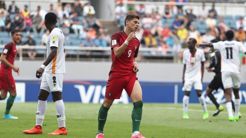 Phung phí hàng tá cơ hội, U20 Bồ Đào Nha nhận thất bại cay đắng trước U20 Zambia