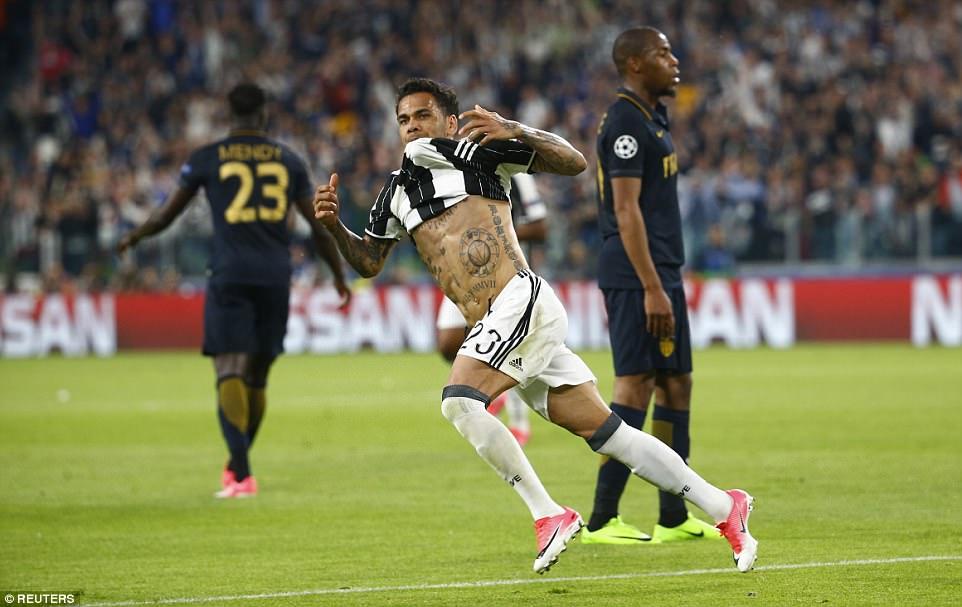 Dani Alves tiếp tục tỏa sáng, Juventus thẳng tiến vào CK Champions League
