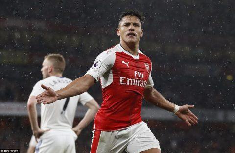 Sanchez lại tỏa sáng rực rỡ, Arsenal tiếp tục nuôi hy vọng vào top 4