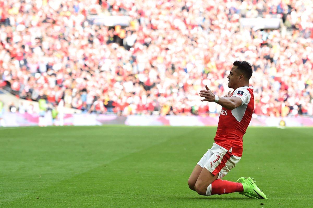 Ghi bàn giúp Arsenal đả bại Chelsea, Sanchez lập hàng loạt kỷ lục