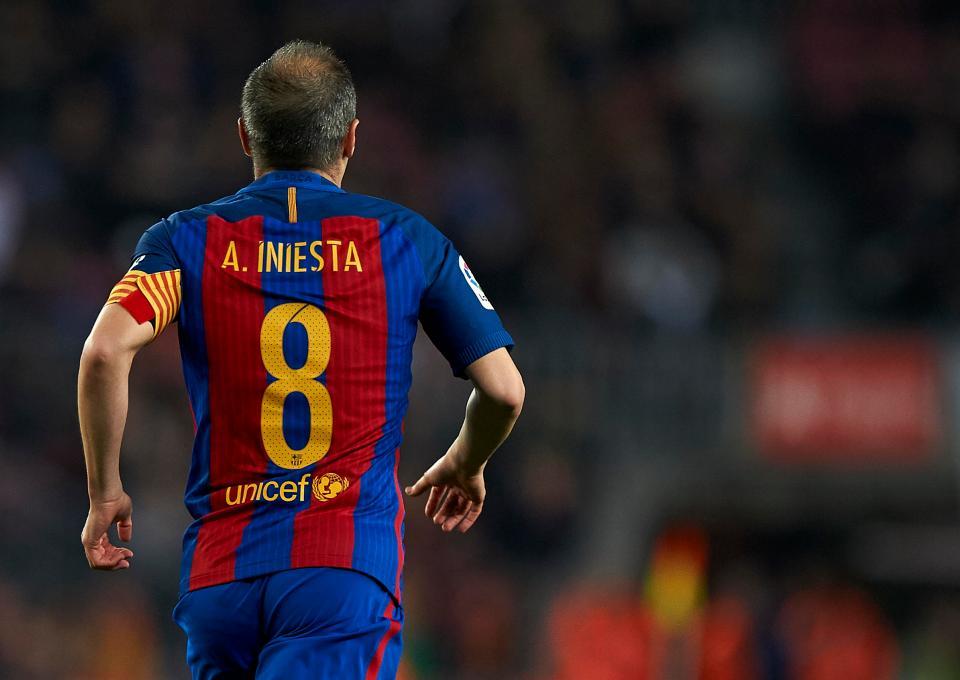 Iniesta chính thức lên tiếng về tin đồn ra đi