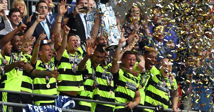 Gục ngã trên chấm phạt đền, Reading lỡ hẹn Premier League