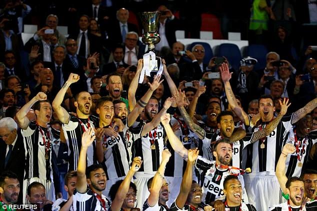 Hàng thủ 'cân' cả hàng công, Juventus lên ngôi tại Coppa Italia