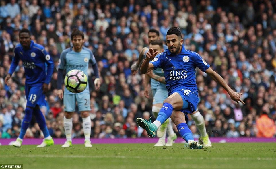 """Hạ Leicester """"nhờ Mahrez"""", Man City chiếm vị trí thứ 3 của Liverpool"""