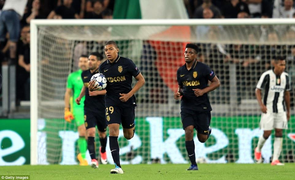 Điểm tin sáng 10/05: Xé lưới Buffon, Mbappe đi vào lịch sử Champions League