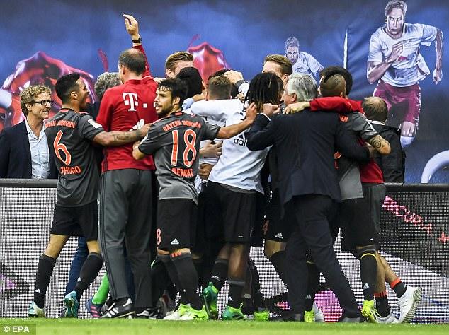 Ghi liền 3 bàn thắng ở ít phút cuối, Bayern lội ngược dòng điên rồ trước chủ nhà Leipzig