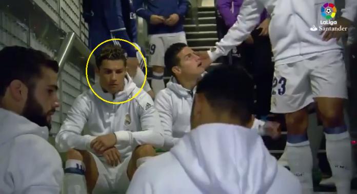 CLIP: Ronaldo và các đồng đội buồn bã chia tay James trong đường hầm khiến NHM xót xa