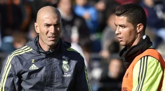 Real loạn trước chung kết Cúp C1: Ronaldo lo đi tù, đồng đội mải vui chơi