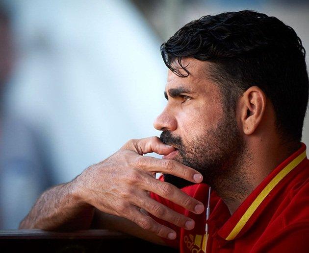 Chùm ảnh: Diego Costa lặng yên trên sân tập La Roja sau khi bị đuổi khỏi Chelsea