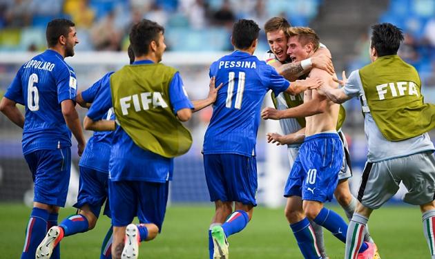 Thi đấu thiếu người, U20 Italia vẫn xuất sắc tiễn hiện tượng Zambia về nước