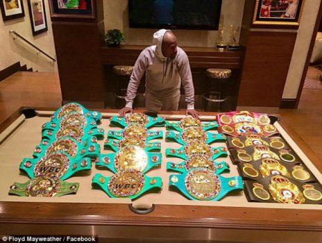 """Tin thể thao HOT 09/6: Mayweather khoe bộ sưu tập đai vô địch siêu """"khủng"""""""