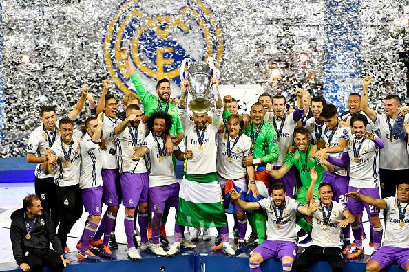 CHÙM ẢNH: Khoảnh khắc Ronaldo và các đồng đội ăn mừng chức vô địch đầy cảm xúc