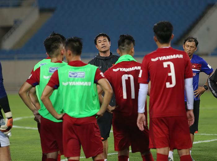 Thầy trò Hữu Thắng đối đầu 5 đội bóng Hàn Quốc trước thềm Sea Games 29