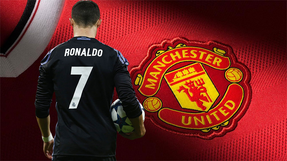 """Ronaldo CHÍNH THỨC yêu cầu """"siêu cò"""" bằng mọi giá đưa anh trở lại Old Trafford"""
