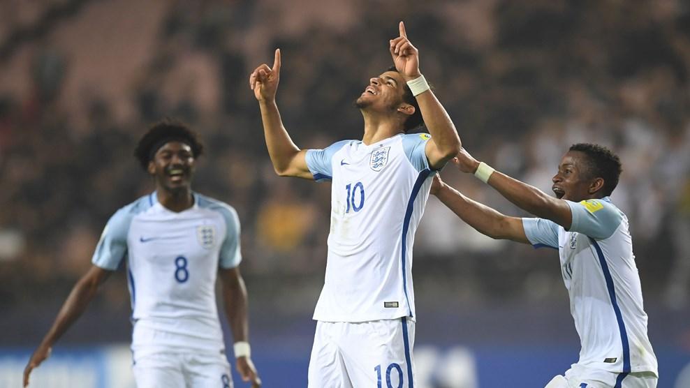 Ngược dòng ấn tượng trước Italia, U20 Anh xuất sắc có vé đá Chung kết