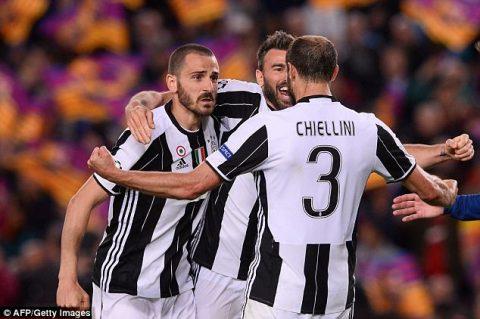 Siêu trung vệ Juve sẵn sàng đàm phán với Chelsea