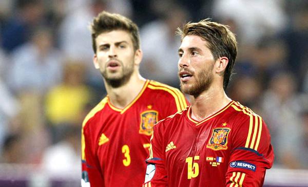 """Ramos lại """"troll"""" Pique trước trận Chung kết với Juventus"""