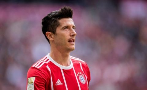 Lôi FIFA ra dọa, Bayern dập tắt cơ hội chiêu mộ Lewandowski của Chelsea và M.U