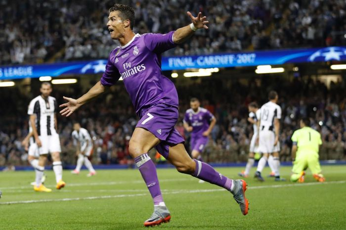 """""""Hãy trao ngay Quả bóng vàng cho Ronaldo"""""""