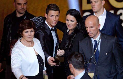 Người nhà vô tình để lộ tin Ronaldo thuê đẻ trên truyền hình