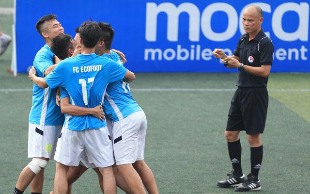 Bán kết giải Moca Cup: Ecofoot và Lucky Thanh Hà vào chung kết