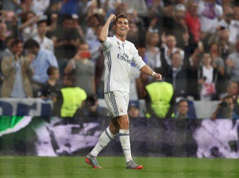 Tại sao Ronaldo luôn là tâm điểm trong đêm chung kết?