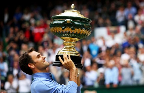 Dễ dàng hạ Zverev, Federer lần thứ chín đăng quang tại Halle