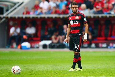 """AC Milan đạt thỏa thuận chiêu mộ """"Vua sút phạt"""""""