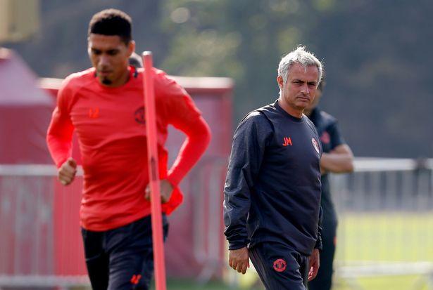 Smalling chính thức lên tiếng phản pháo Mourinho sau hàng loạt chỉ trích