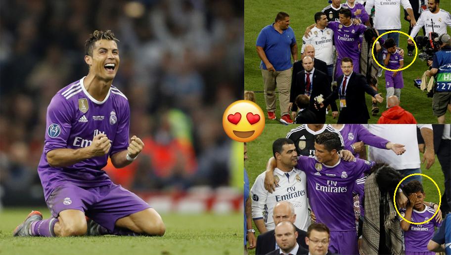 Con trai bật khóc trong ngày Ronaldo trở thành huyền thoại của các huyền thoại
